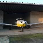 Avion PA28 dans son entrepôt